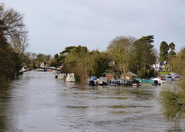 River flooding at Weybridge