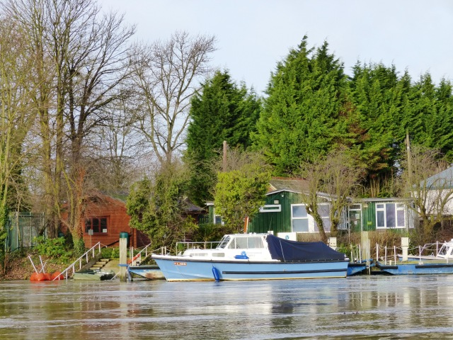 Environment Agency boat at weybridge