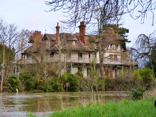 Eyot House on D'Oyly Carte Island, Weybridge
