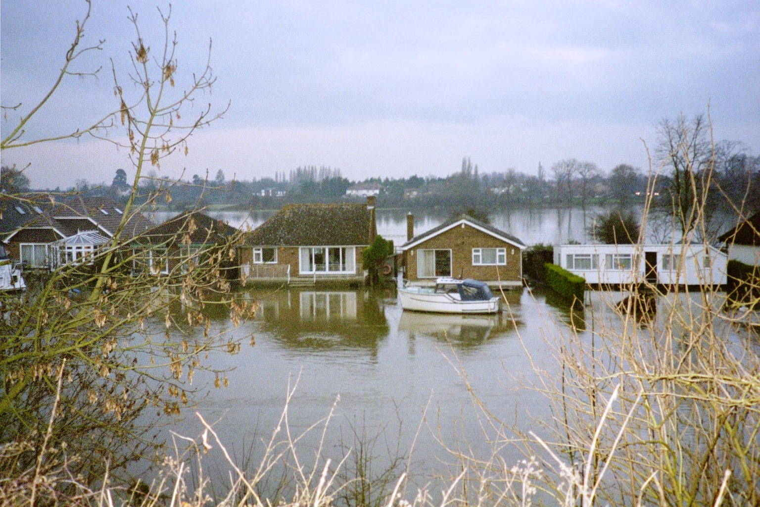 The River Thames in Flood, Weybridge, Walton & Port ... Houses For Sale