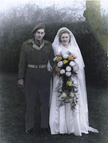 Gordon & Doris' wedding photo