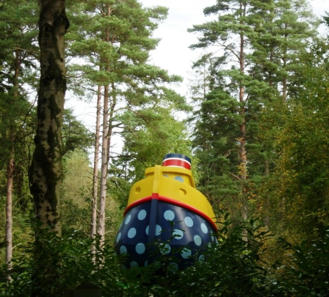 This was what drew our attention to the gardens... The blue and yellow was a definite anomaly in the woodlands!