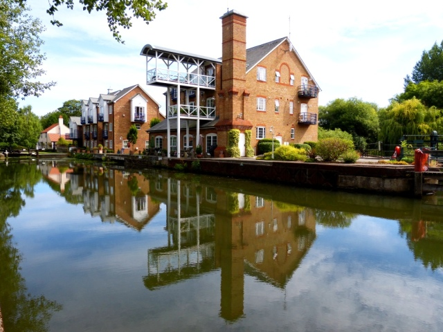 Converted Mill buildings and Lock keepers cottage at Thames Lock