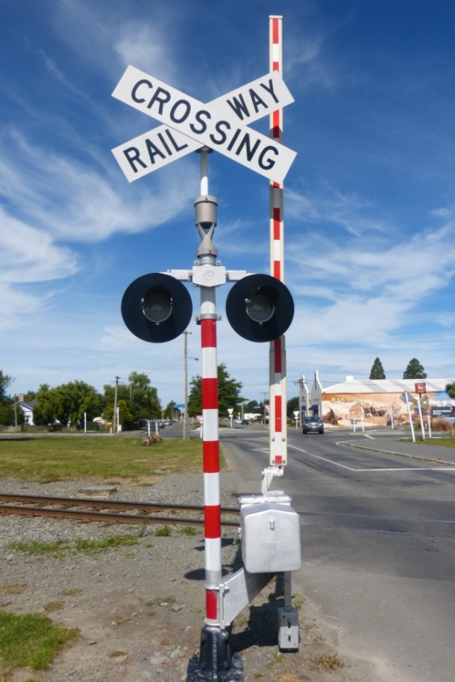 I love these old fashioned railway crossings